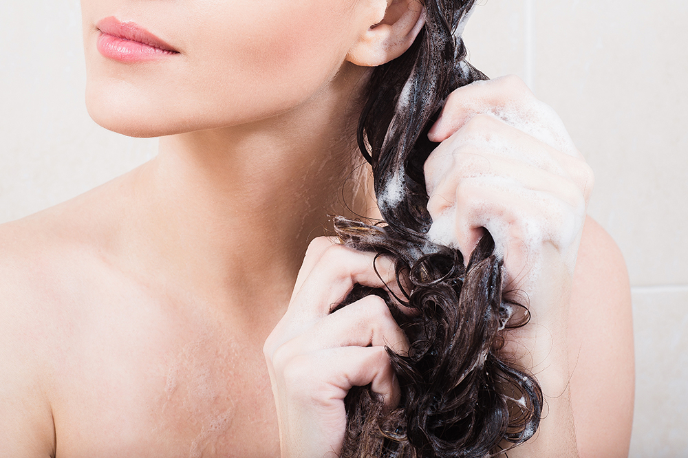 Washing Hair Without Commercial Shampoo. What's 'No Poo' Method All About?