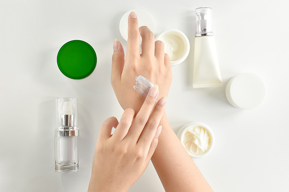 How to Care for Hands? At-Home Oil Manicure, Natural Treatments & Soaks