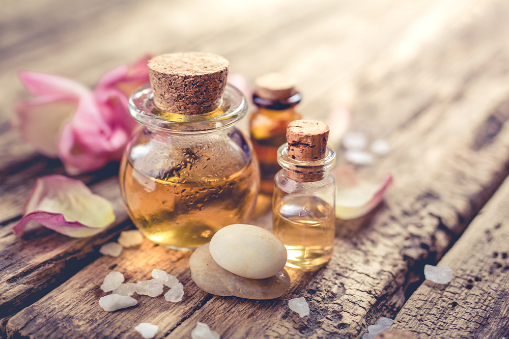 Which oil is best to reduce stretch marks? Check out the most effective skin care & ingredients